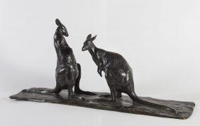 Deux kangourous face à face